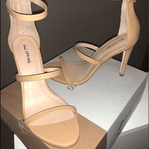 Sz 10 nude triple strap sandal